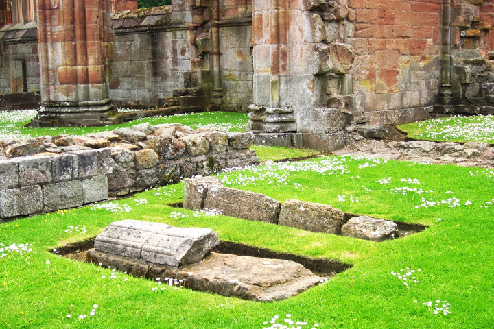 Melrose Abbey one day trip to Scottish Borders