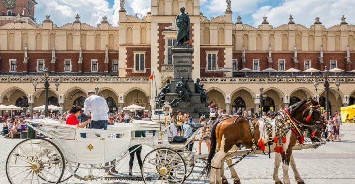 krakow_market_square_poland